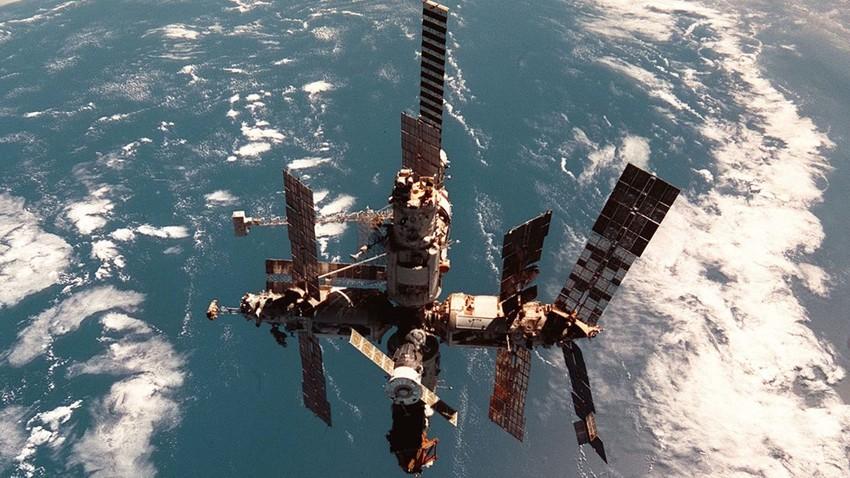 Resultado de imagen para estación espacial Mir