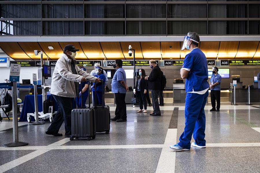Nueva York establece cuarentena obligatoria a viajeros de 8 estados -  Enterate24.com